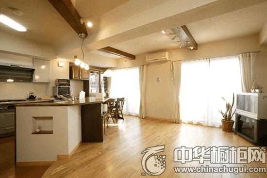 一套自然风情的日式整体厨房