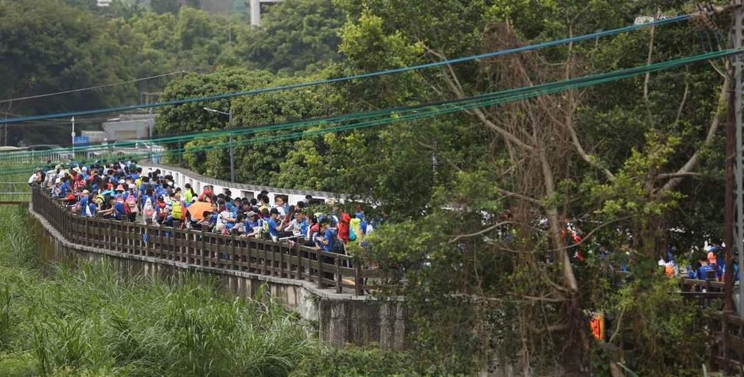 第17个磨房百公里:2万深圳人健走狂欢