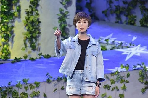 娄艺潇清唱《天空之城》感动全场 网友:请继续唱
