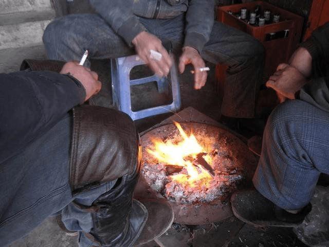 南方的冬天没有北方冷,却比北方人更爱烤火