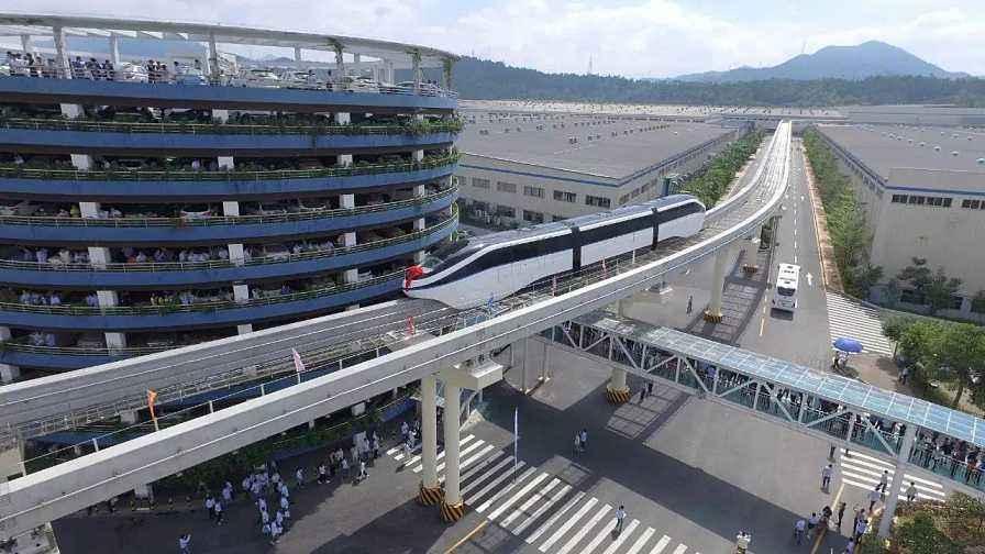 好消息:比亚迪汕头首列云轨列车总装下线调试