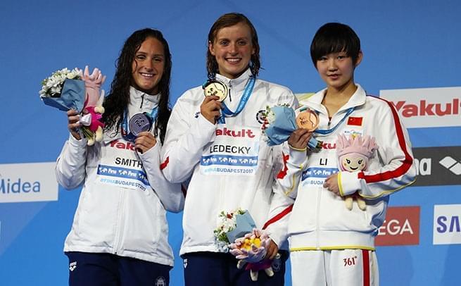 女子400自李冰洁摘铜 莱德基破纪录