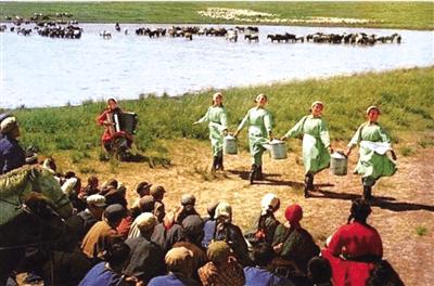 【草原群英·回望70年】乌兰牧骑:红色文化轻骑兵