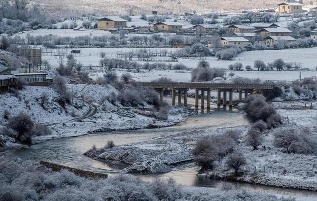 香格里拉一下雪 便胜过所有人间仙境