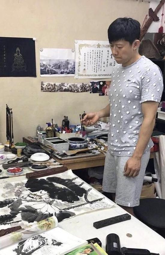"""夏雨""""反转人生""""再开挂  全能boy解锁国画新技能"""