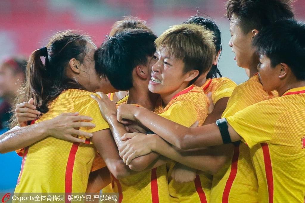 夺冠!杨倩演帽子戏法 U16女足补时绝杀5-4胜美国