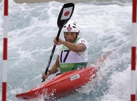 日本奥运选手做和尚赚经费 月收入过