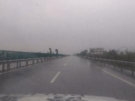 天黎高速五里墩至大同县西全线中雨