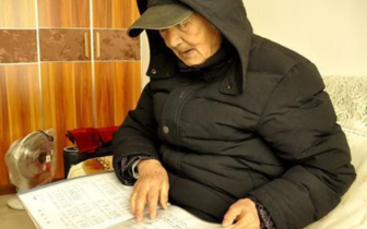成都89岁空巢老人当裸模 不认为羞耻 这是艺术