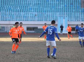 2017老甲A青岛2-0战胜山东鲁能 小组赛完美收官