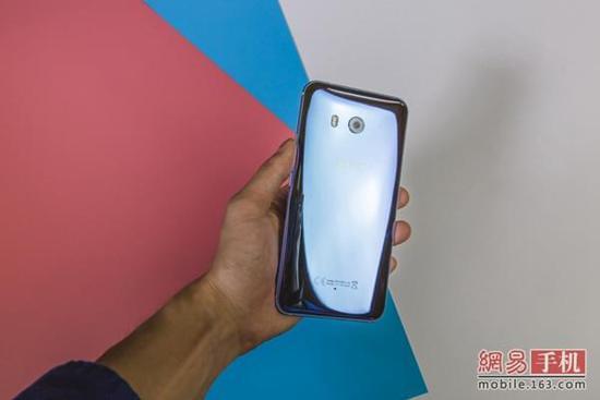 """HTC U11评测:边框压感交互成亮点/""""翻身之作"""""""