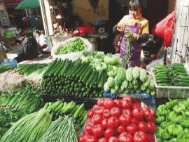 """鸡蛋零售价格涨至每公斤10元 """"双节""""前继续上涨"""