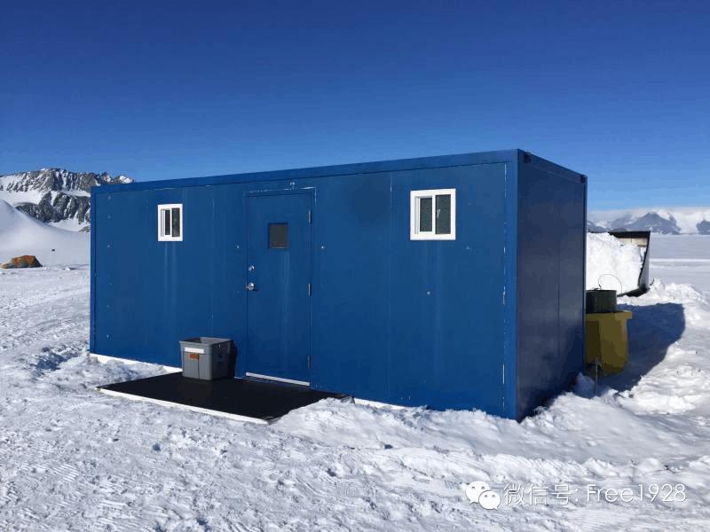 科学家在南极都做些啥?比如脱衣跳水庆冬至