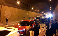 广西一隧道发生多起车祸