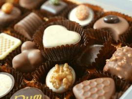 罐头和巧克力都会过期  但光棍可以永恒