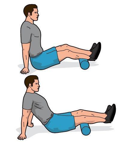 跑者利用泡沫轴深度按摩 放松肌肉防受伤