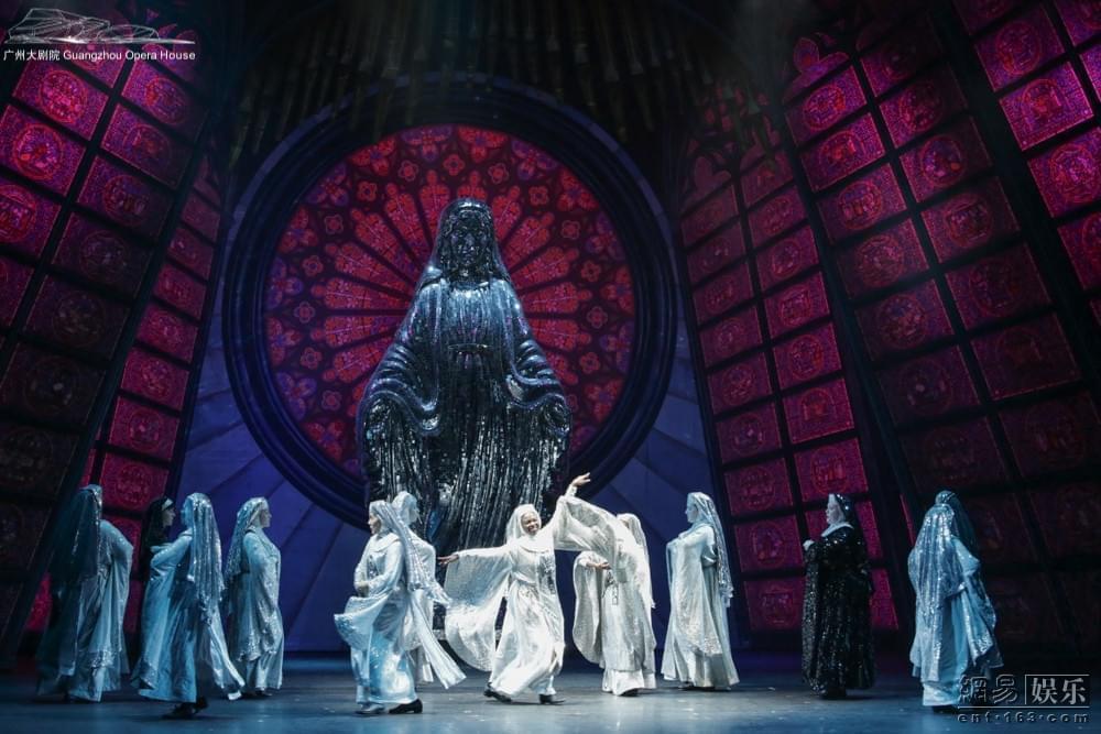 百老汇音乐剧修女也疯狂广州启幕 笑翻羊城观众