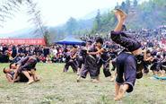 黎平县侗寨欢度摔跤节