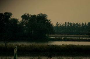 消失了,河流边的故乡