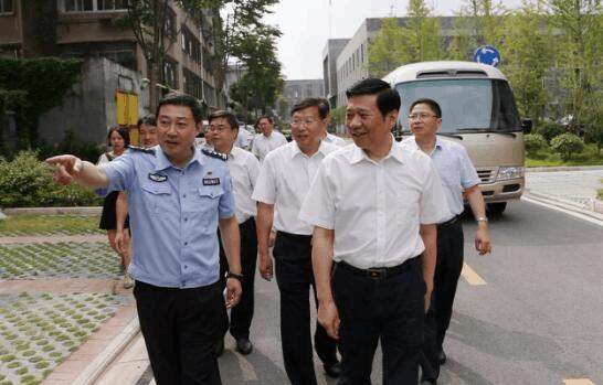 王祥喜:压实责任 推动荆州平安建设取得新成绩