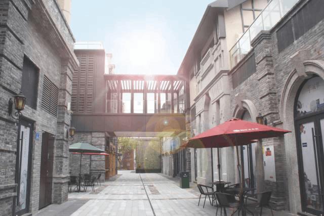 重庆渝中历史文化旅游区呈现 上百种复古窗带你穿越