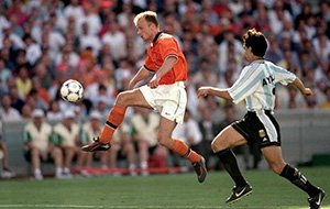 世界杯史上第一停球!冰王子代言最华丽荷兰