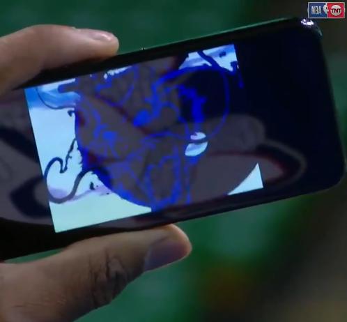 【影片】大帝霸氣!其他人賽前訓練時,Embiid場邊躺著看龍珠?-Haters-黑特籃球NBA新聞影音圖片分享社區