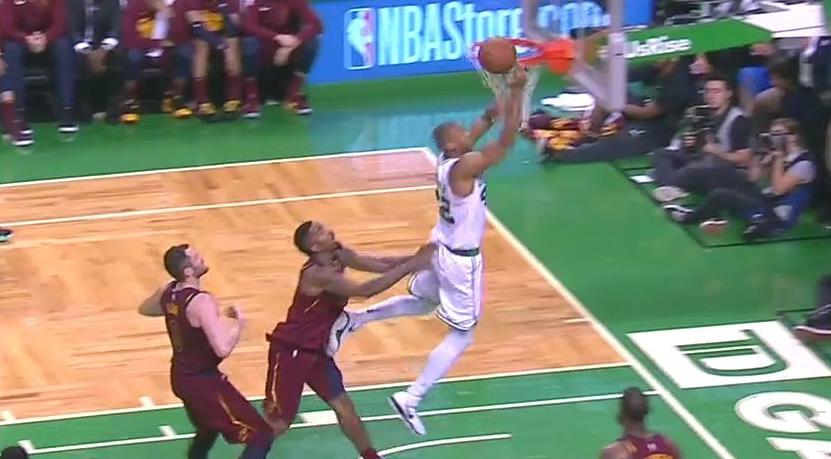 NBA不会对JR推人做后续处罚 史密斯:那是好犯规