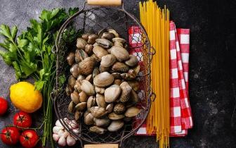 这9类食物 饿肚子吃对人伤害不小