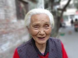 北京老旧小区适老化改造 老楼装电梯的清河样本