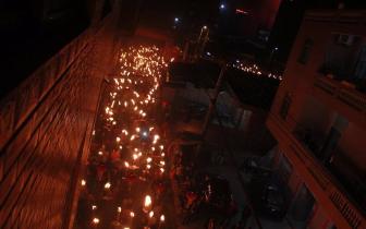 """晋江""""火把节""""3000多火把汇成千米长龙"""