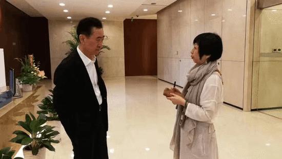 (万达集团董事长王健林今日与凤凰卫视记者会面)