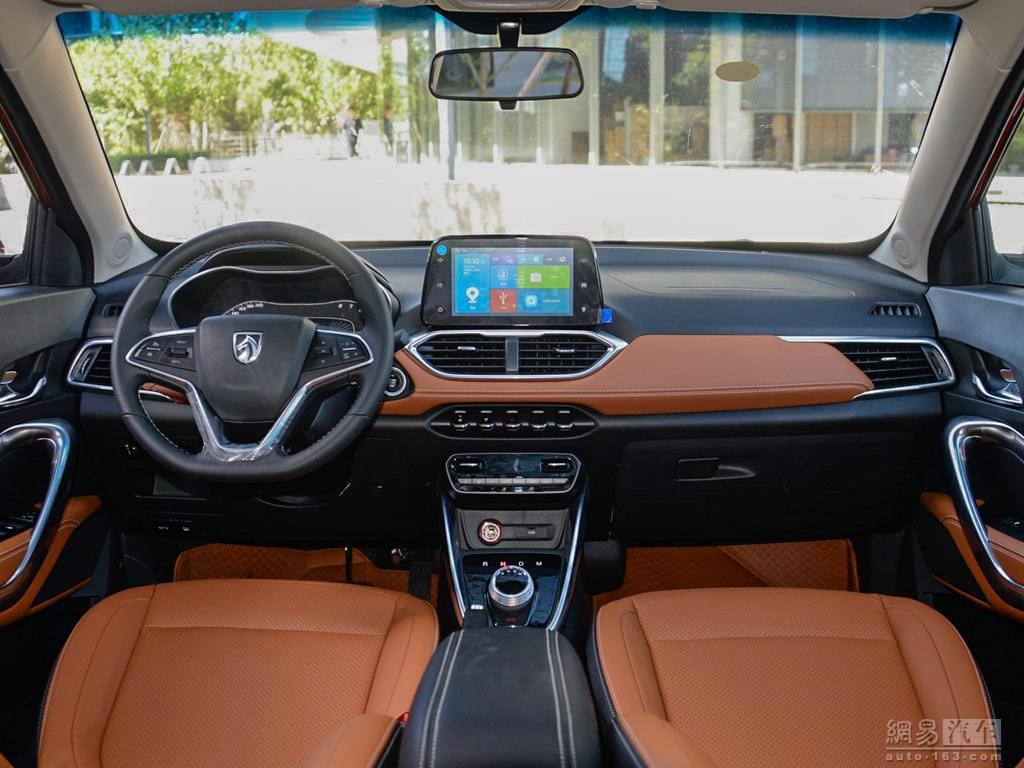 有颜值也好开 6万元自动挡小型SUV推荐