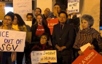 移民团体抗议示威 美加州圣盖博市否决合作备忘录