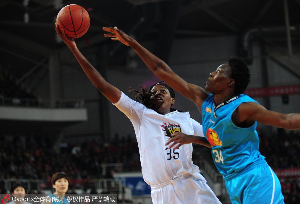 WCBA总决赛山西女篮陷逆境 球迷不离不弃表现狂热