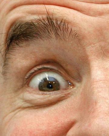 """""""眉毛""""可能是人类幸存下来的重要因素"""