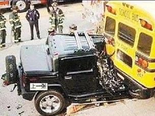 美国的校车最耐撞 对此你有意见吗?