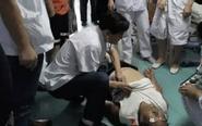 大爷突然晕厥倒地 医护人员紧急施救