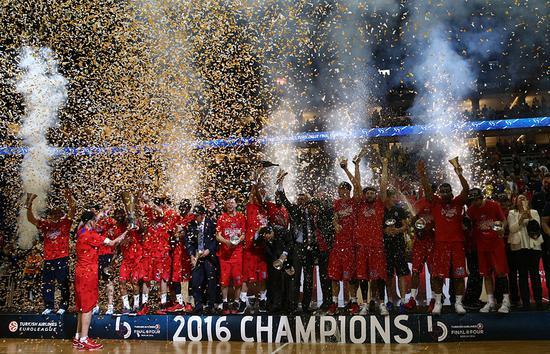 2016年夺得欧冠联赛冠军