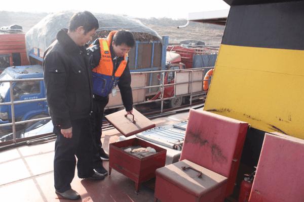 安全不放松!荆州公安海事处开展渡船四季度安检
