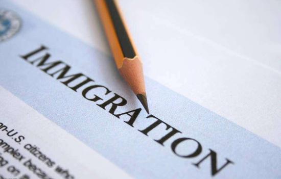 各国移民新政变动盘点 加放宽美收紧小国降价