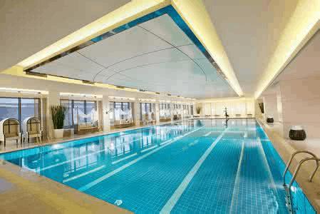 """东莞:星级酒店泳池上""""黑榜"""" 水质卫生备受关注"""