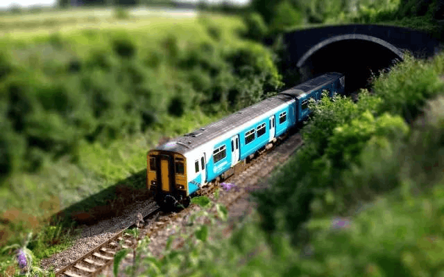 坐着火车穿过边境线 体会真正的跨国旅行