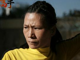 45岁辣妈成中国双节棍达人 把武术融进广场舞