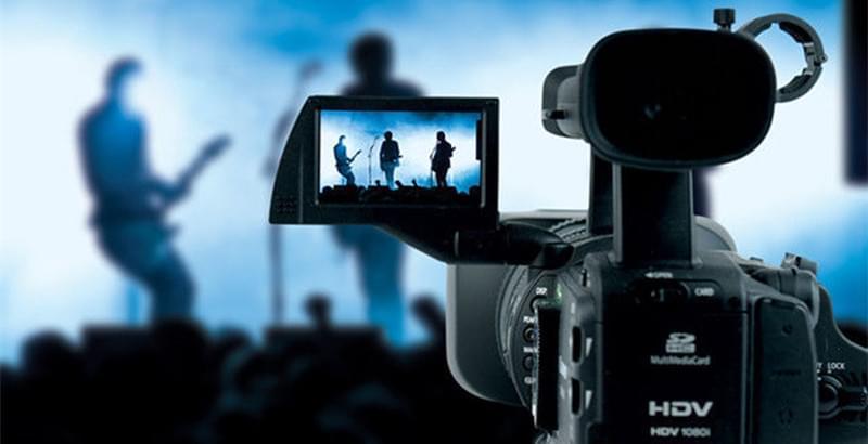 短视频到底该怎么赚钱:要打赏还是卖广告?