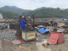 华安绕城二期公路项目:桥梁建设雨天不停歇