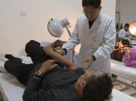 中医针炙化解伤病 呼吁重视药源性疾病日益增加