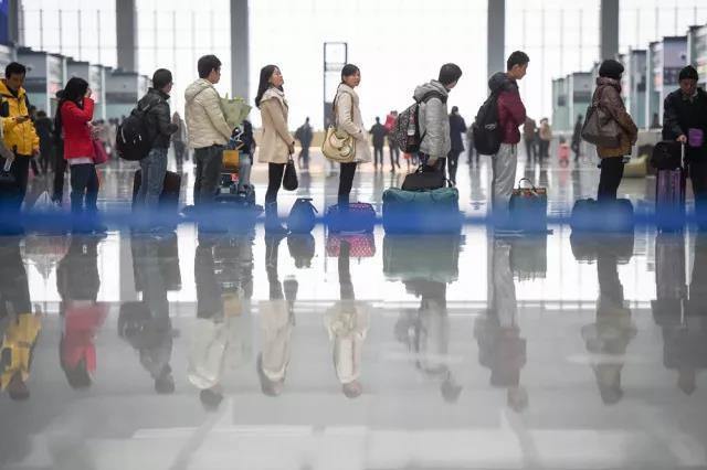 主要城市人口流向分化加剧:京津沪减,广深杭增