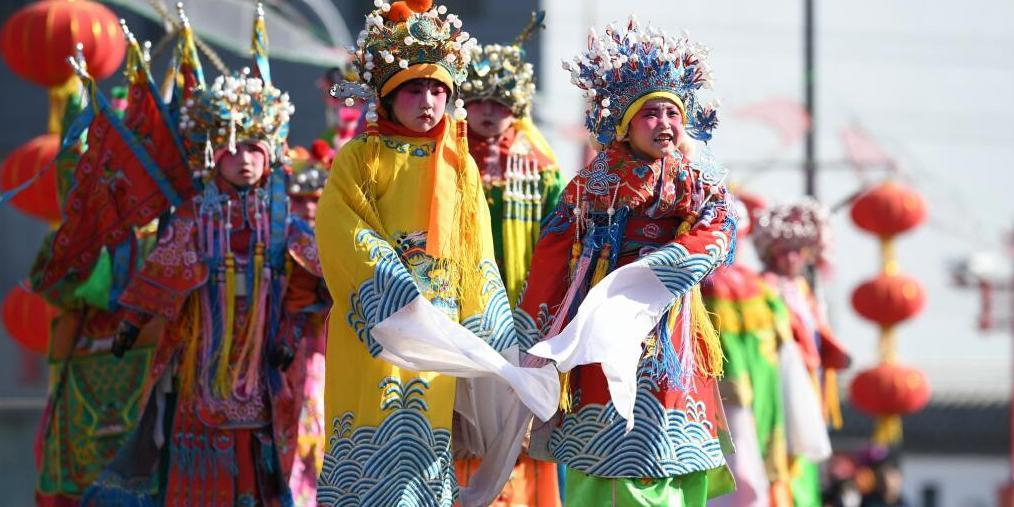 呼和浩特文化庙会正式开幕 震惊你的眼球