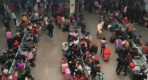 春节荆州城区3家汽车站发送旅客7万人次 秩序井然
